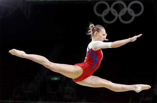 bda7e3f0-cec3-45f0-8a47-af12f963b91a-160804_ap_rio_olympics_artistic_gymnastics_women_6
